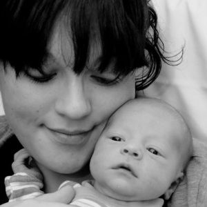 Amy Neale with son Cooper